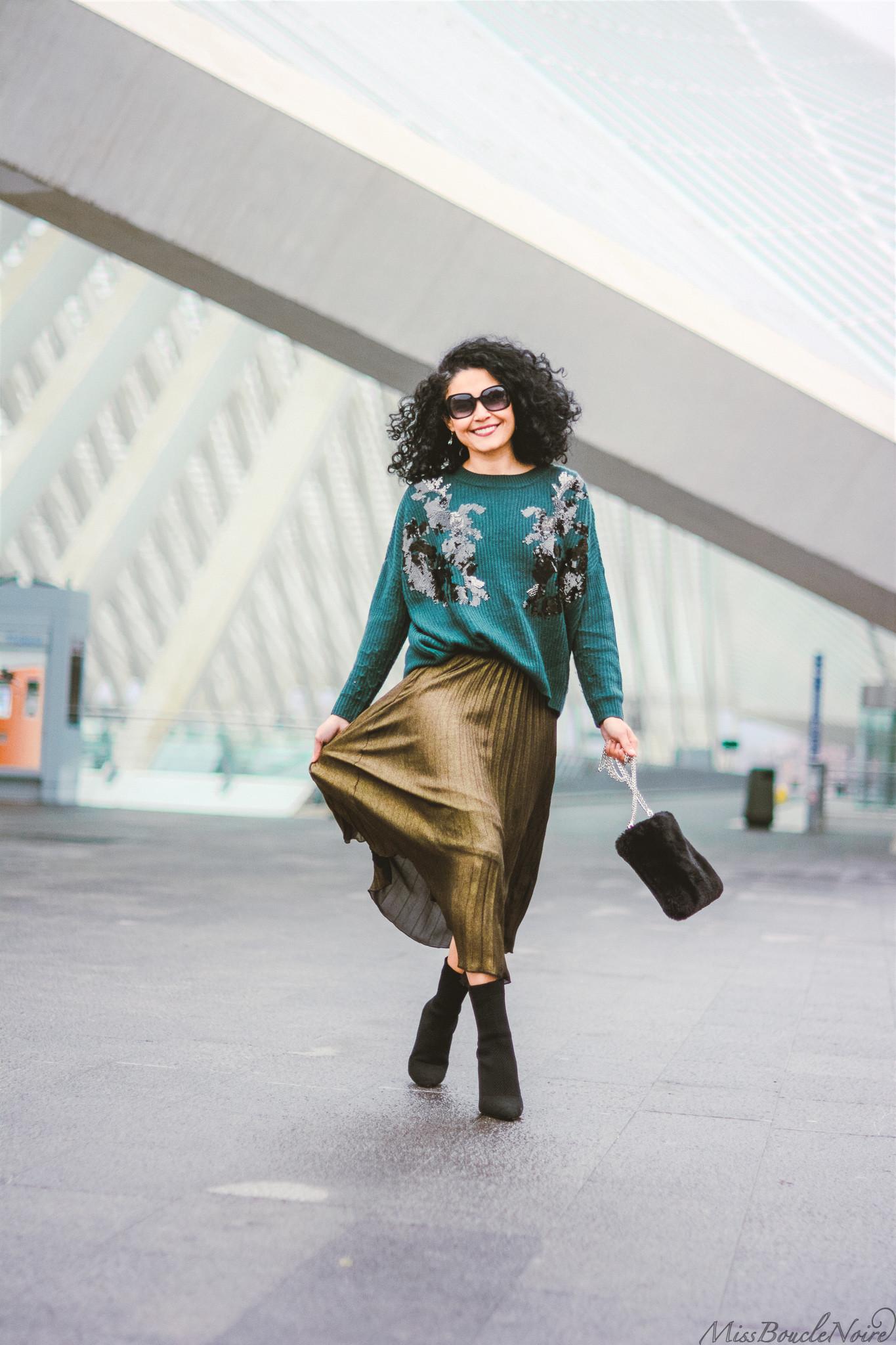 La jupe plissée vert olive métalisée